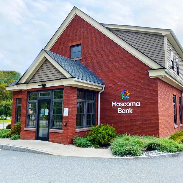 facade of Mascoma Bank in Hartland, VT